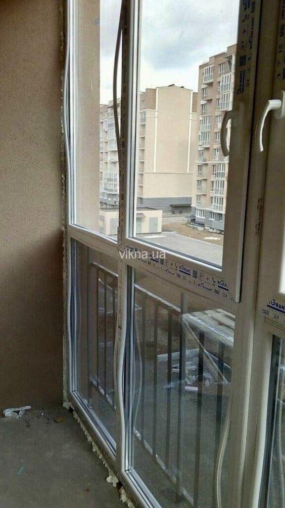 недорогой французский балкон vigrand
